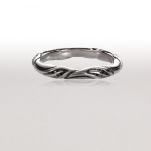 Thin LEAF CIRCLET Ring in Bright Silver