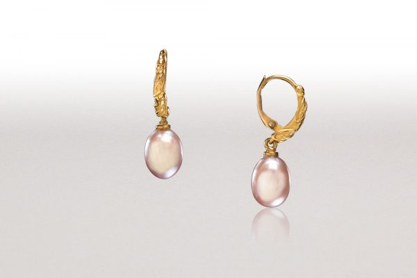 LEAF Pink Pearl Hoop Earrings
