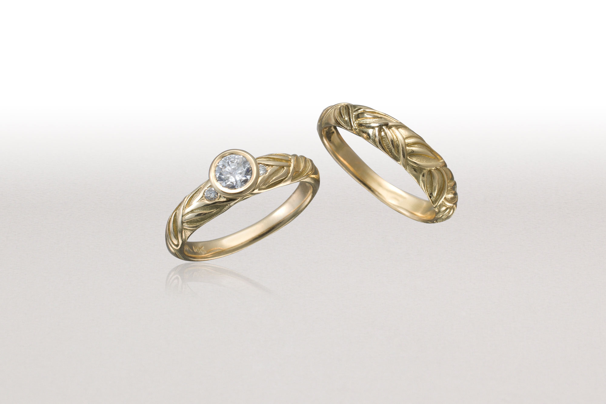 Thin ALTERNATING LEAF Ring with Thin LEAF Band-Gold