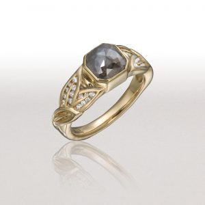 Small ALTERNATING LEAF Ring with Grey Diamond
