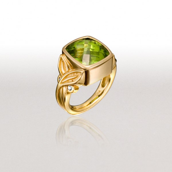 Small CROSSED LEAF Ring with Peridot & Diamonds