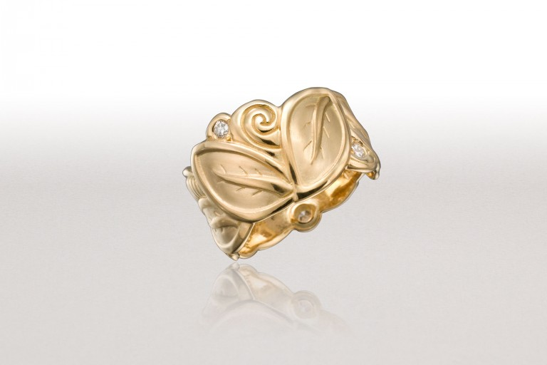 Wide LEAF Band in Gold & Diamonds