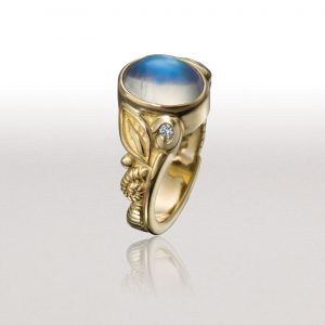 LEAF & FERN Ring with Moonstone & Diamonds