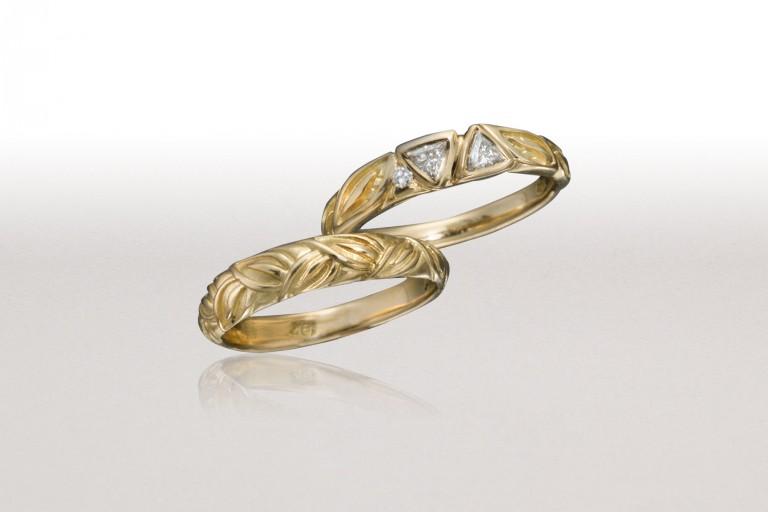 Trillion Diamonds LEAF Ring with Thin LEAF Band